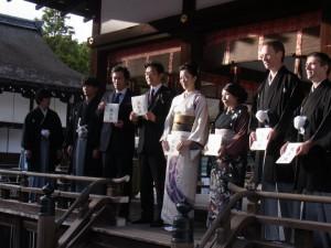 酒サムライの叙任式は、毎年世界遺産の京都下鴨神社において正式参拝ののち舞殿で執り行われます。